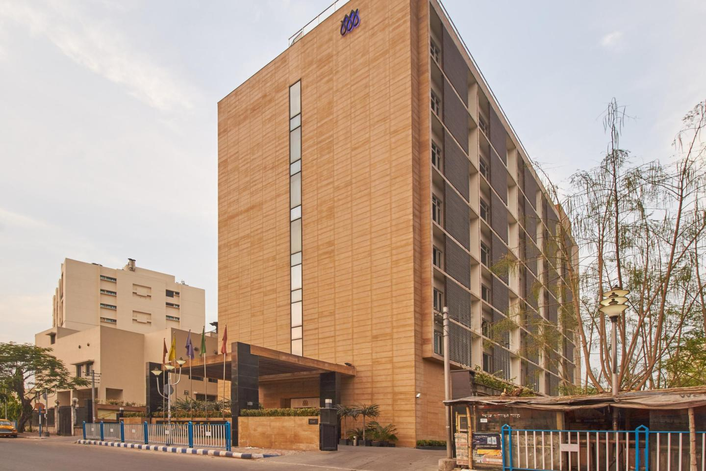 Monotel Luxury Business Hotel Kolkata