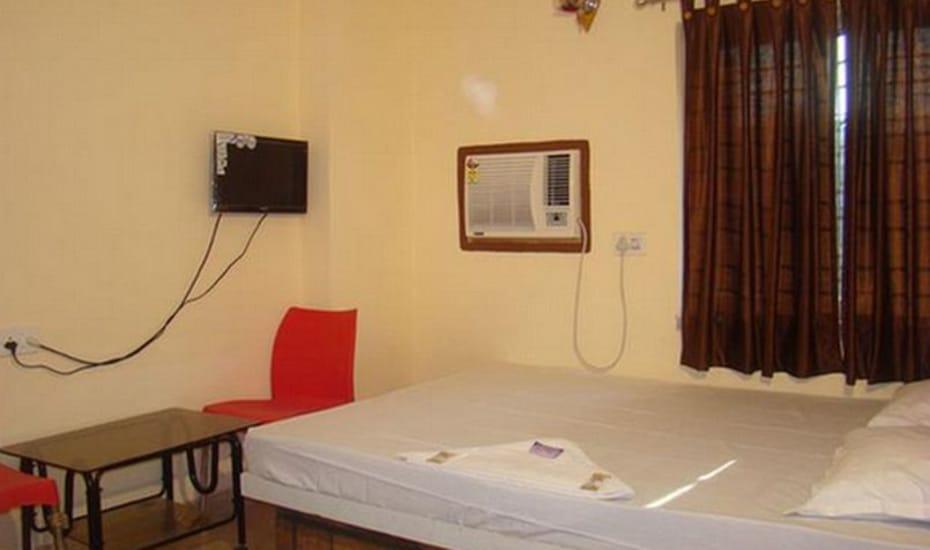 Lake Palace Guest House Kolkata Rooms Rates Photos